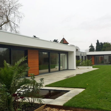Contemporary house with aluminium windows