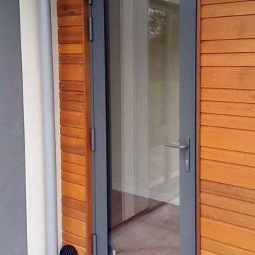 Single open out door